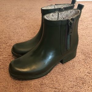 Lucky Brand Ankle Rain Booties Size 6
